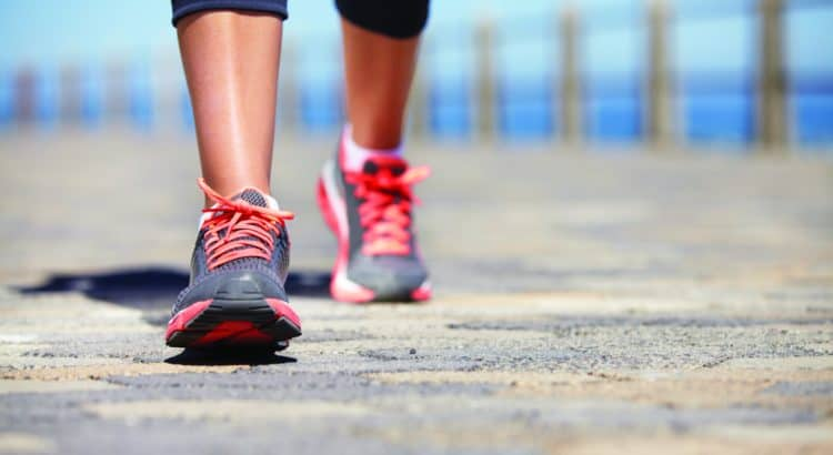 caminar favorece la salud del cerebro